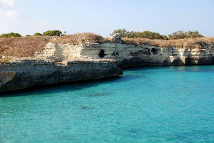 Топ-10 самых красивых природных бассейнов мира - Пещера Поэзии в Италии