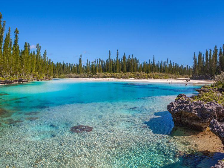 Топ-10 самых красивых природных бассейнов мира - Природные бассейны в заливе Оро на острове Пен в Новой Каледонии