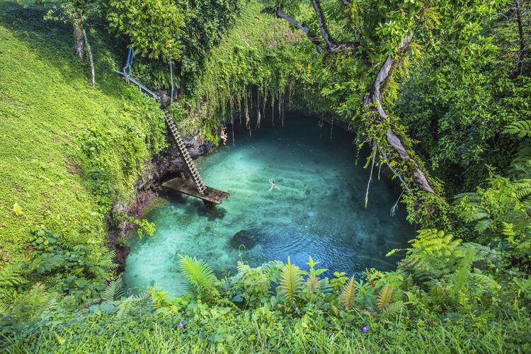 Топ-10 самых красивых природных бассейнов мира - Океанический бассейн To-Suaна острове Уполу (Самоа)