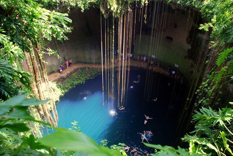 Топ-10 самых красивых природных бассейнов мира - Сеноты полуострова Юкатан в Мексике