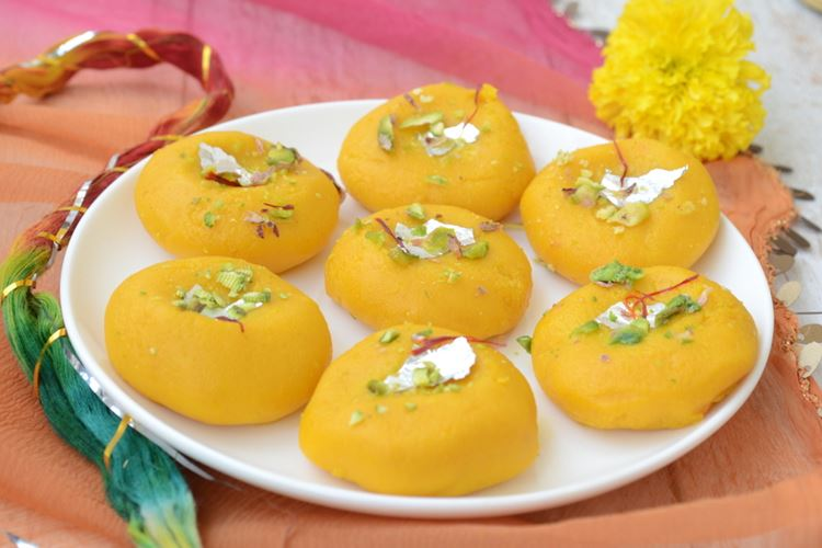 Индийский десерт Сандеш