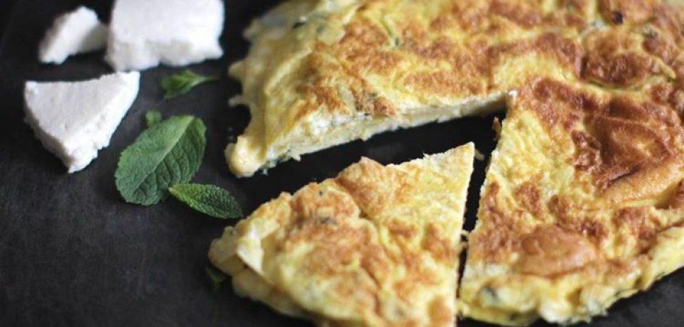 Омлет по-корсикански с овечьим сыром и свежей мятой