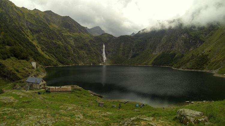 Красивые озера Франции: Оо