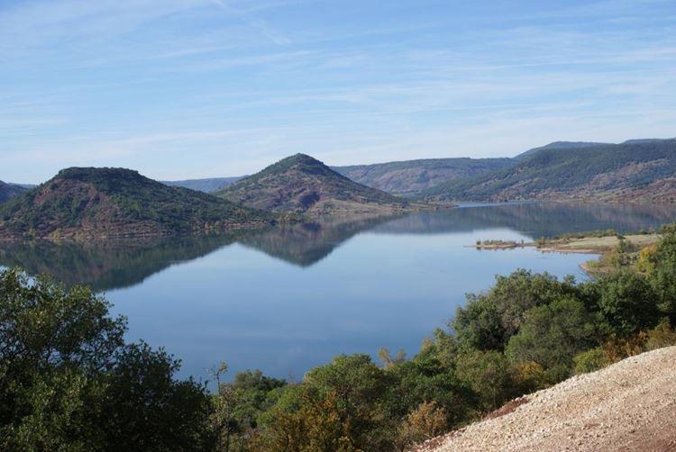 10 самых красивых озёр Франции - Озеро Салагу