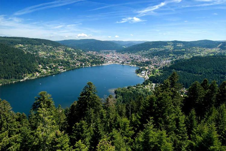 10 самых красивых озёр Франции - Озеро Жерарме