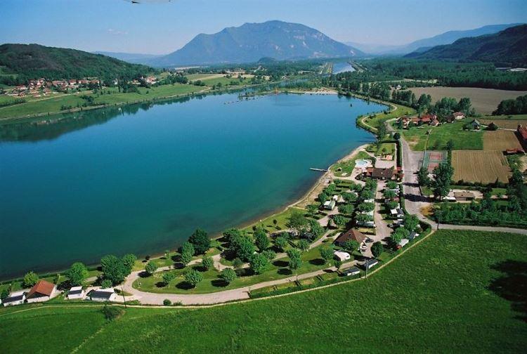Красивые озера Франции: Бурже