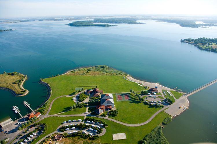 10 самых красивых озёр Франции - Озеро Дер