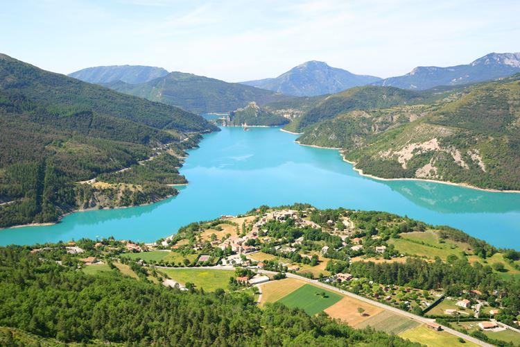 Крупные озера Франции: Кастийон