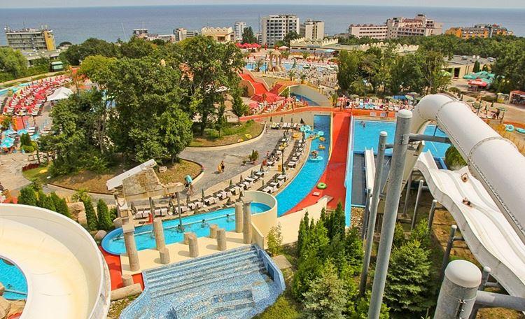 Аквапарки Болгарии: Aquapolis, Варна - территория парка, вид сверху