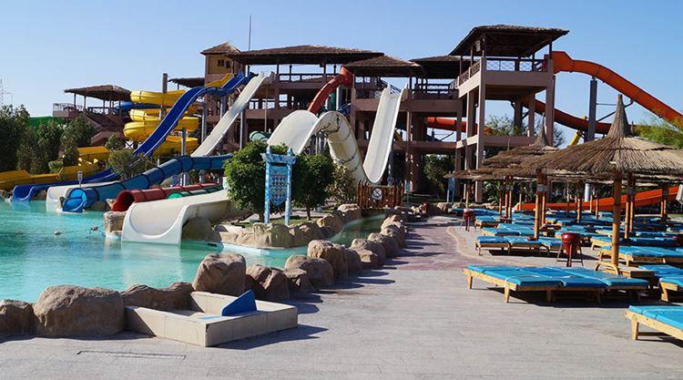 Аквапарки Египта:  Crazy Water, Каир - водные горки и пляжные лежаки