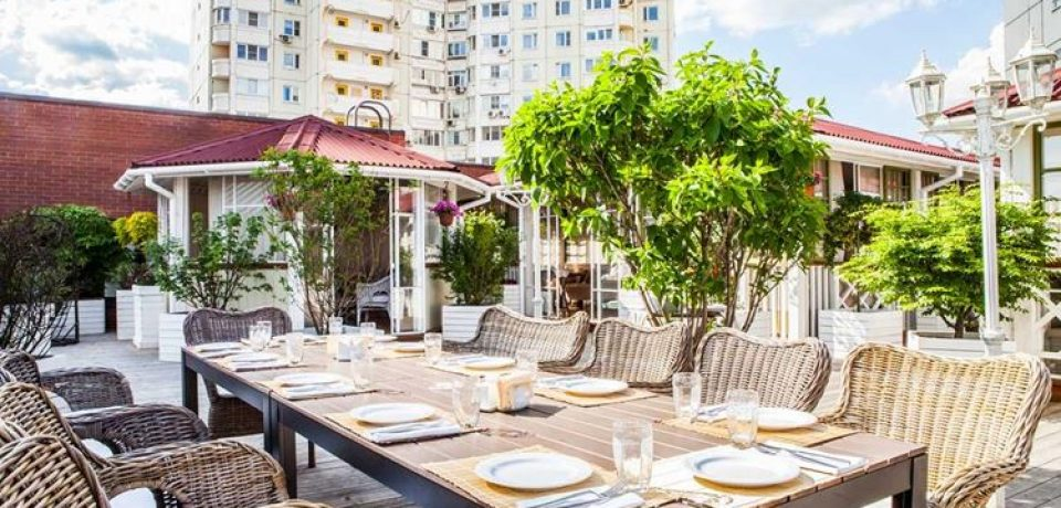 Ресторан «Кувшин» приглашает на летнюю веранду