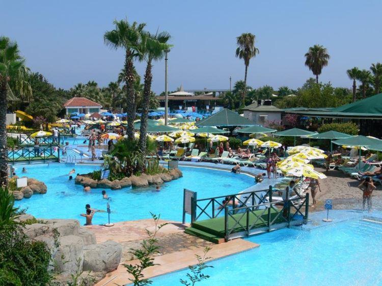 Аквапарки Турции - Antalya Aqualand Dolphinland