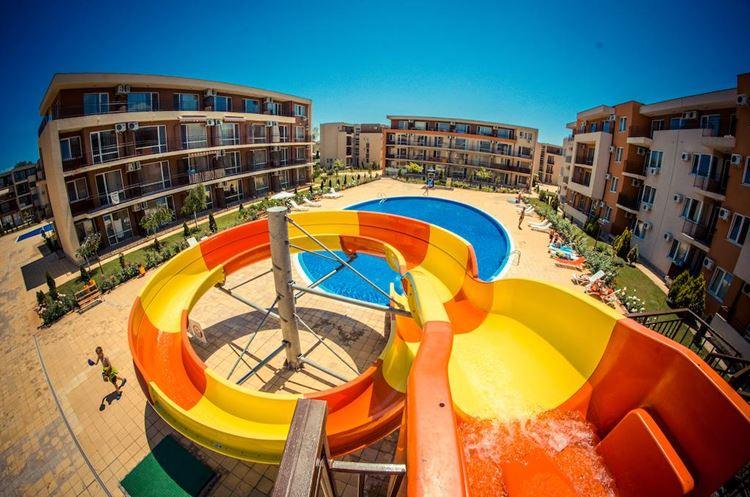 Отели Болгарии с аквапарком и водными горками: Waterpark Fort Apartments (Солнечный берег)