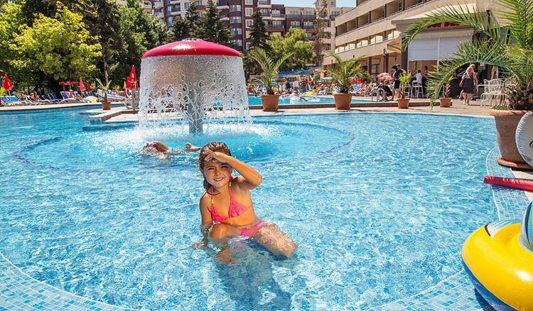 Отели Болгарии с аквапарком и водными горками:  Hotel Laguna Park (Солнечный берег) - детский бассейн