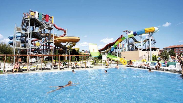 Отели Болгарии с аквапарком и водными горками: Aqua Nevis Club Hotel (Солнечный берег), 5 звезд