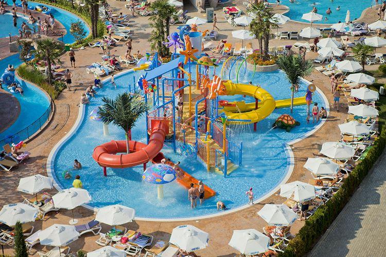 Отели Болгарии с аквапарком и водными горками:  DIT Evrika Beach Club Hotel & Waterpark (Солнечный берег) - детский бассейн