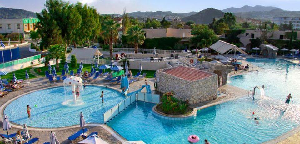 10 курортных отелей Греции с аквапарком