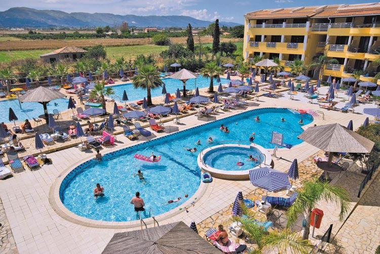 Отели Греции с водными горками - Caretta Beach Resort & Waterpark 4 звезды