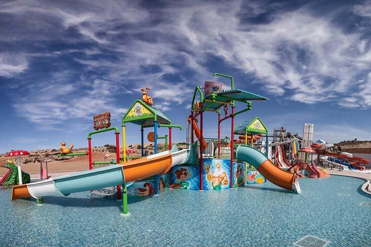 Курортные отели Кипра с аквапарком: Elexus Hotel & Resort & Spa (Чаталкой) - детский бассейн с аттракционами