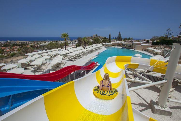 Курортные отели Кипра с аквапарком: St. Elias Resort - Ultra All Inclusive  - водные горки с бассейном у моря