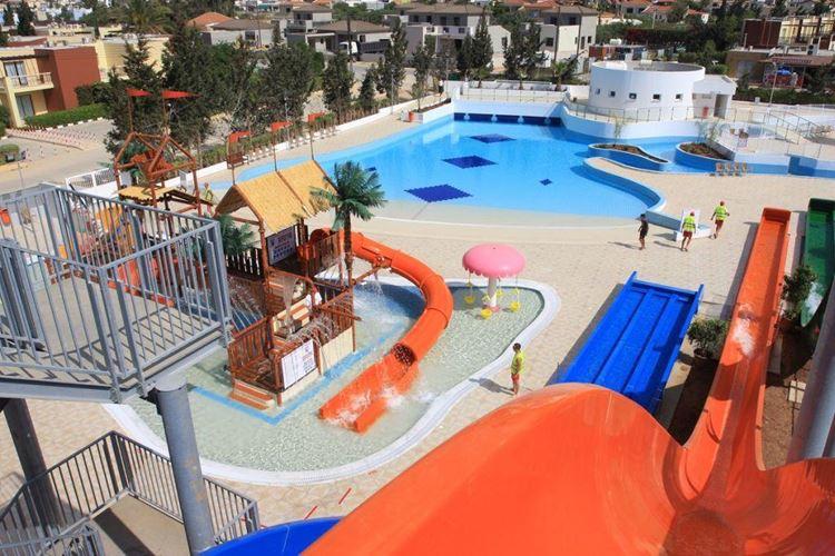 Отели Кипра с водными горками - Electra Holiday Village 4 звезды