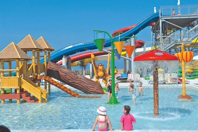 Курортные отели Кипра с аквапарком: Louis Phaethon Beach Club (Пафос) - детский бассейн с аттракционами