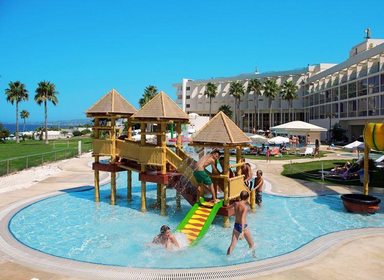 Курортные отели Кипра с аквапарком:  Laura Beach 4 звезды - маленький детский бассейн
