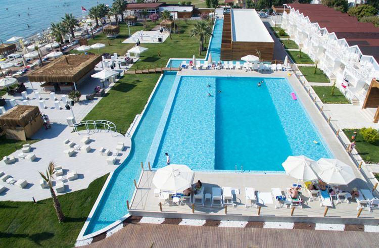 Отель Турции с водными горками Risus Aqua Beach Resort Hotel (Кушадасы)