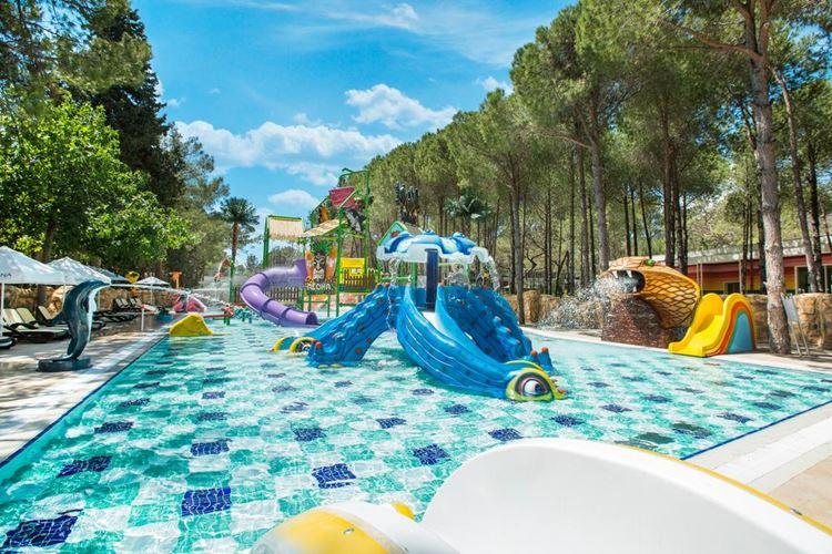 Отель Турции с водными горками Nirvana Lagoon Villas Suites & SPA (Бельдиби/Анталья)