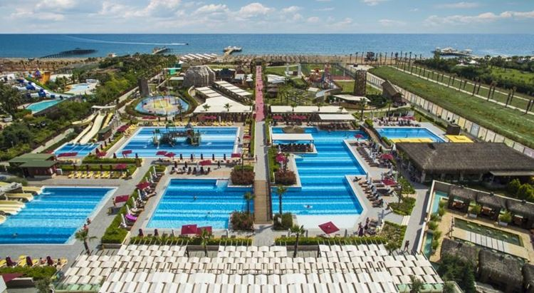 Отель Турции с водными горками Aska Lara Resort & Spa (Лара/Анталья)