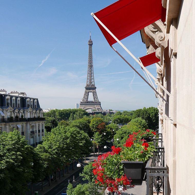 Отели Парижа с видом на Эйфелеву башню: Hôtel Plaza Athénée