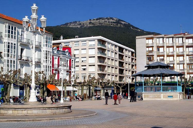 Города Испании на побережье Атлантического океана - Сантонья