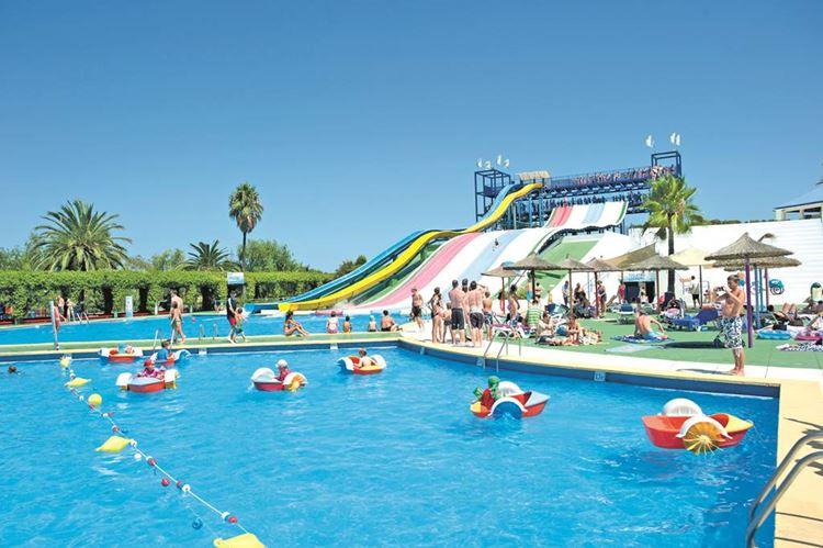 Отель Испании с аквапарком Club Mac Alcudia & Waterpark (Пуэрто-де-Алькудиа, Майорка)