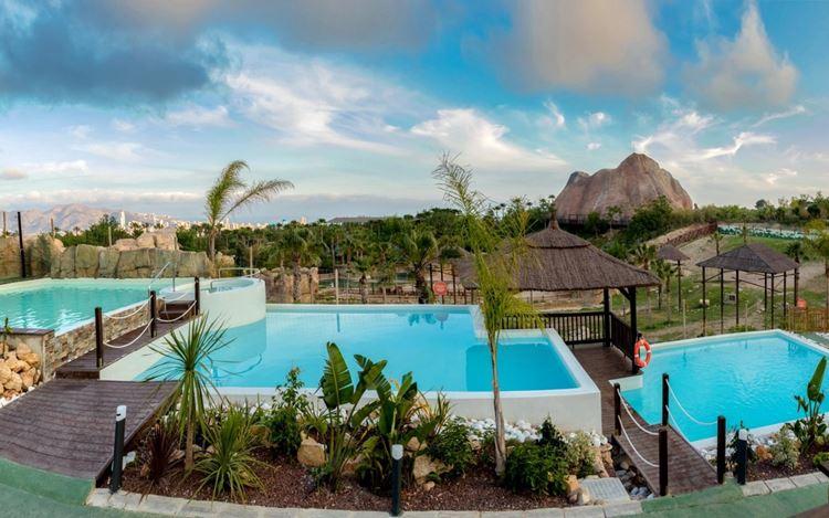 Отель Испании с водными горками Magic Natura Animal (Бенидорм/Коста Бланка)