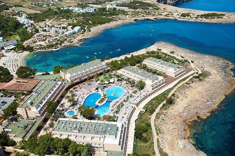 Отель Испании с водными горками Sirenis Seaview Country Club (Ибица/Порт-дес-Торрент)