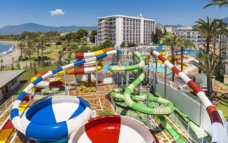 Отель Испании с аквапарком Globales Playa Estepona (Эстепона)