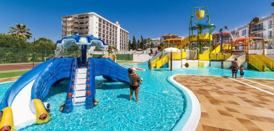 Курортные отели Испании с аквапарком и водными горками