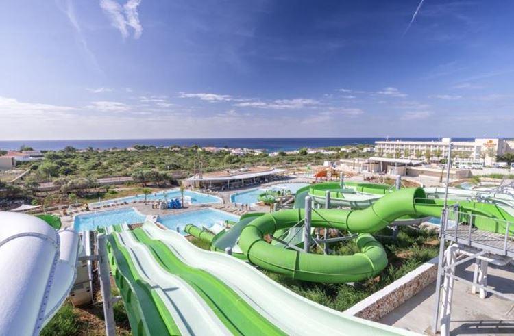 Отель Испании с водными горками Hotel Sur Menorca (Менорка/Пунта-Прима)