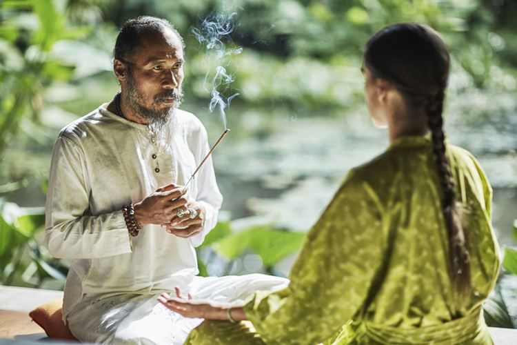 Программа медитаций «Священный сон» в Four Seasons на Бали: мала медитация с чётками