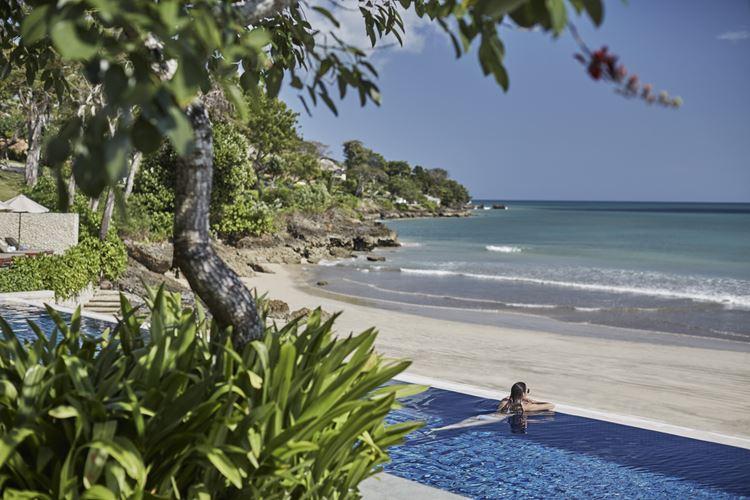 Программа медитаций «Священный сон» в Four Seasons на Бали: вид на океан