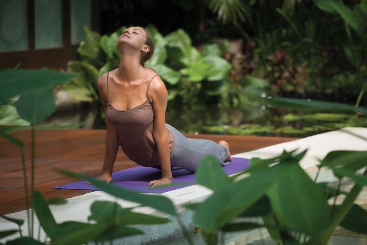 Программа медитаций «Священный сон» в Four Seasons на Бали: асана йоги