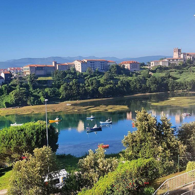 Города Испании на побережье Атлантического океана: Сан-Висенте-де-ла-Баркера - уютный жилой район