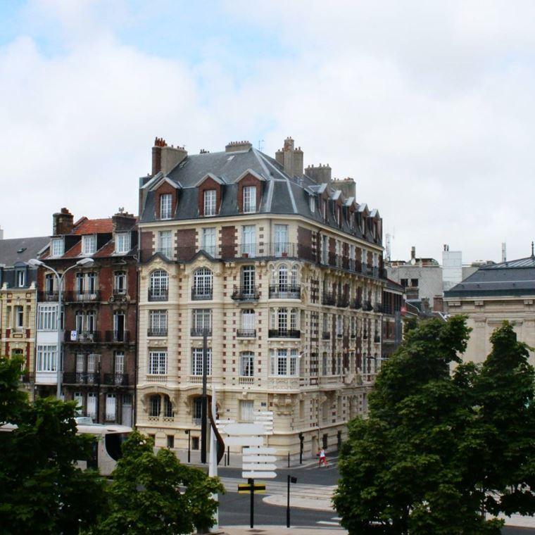 Города северной Франции на побережье Ла-Манша: Гавр - красивая архитектура дома