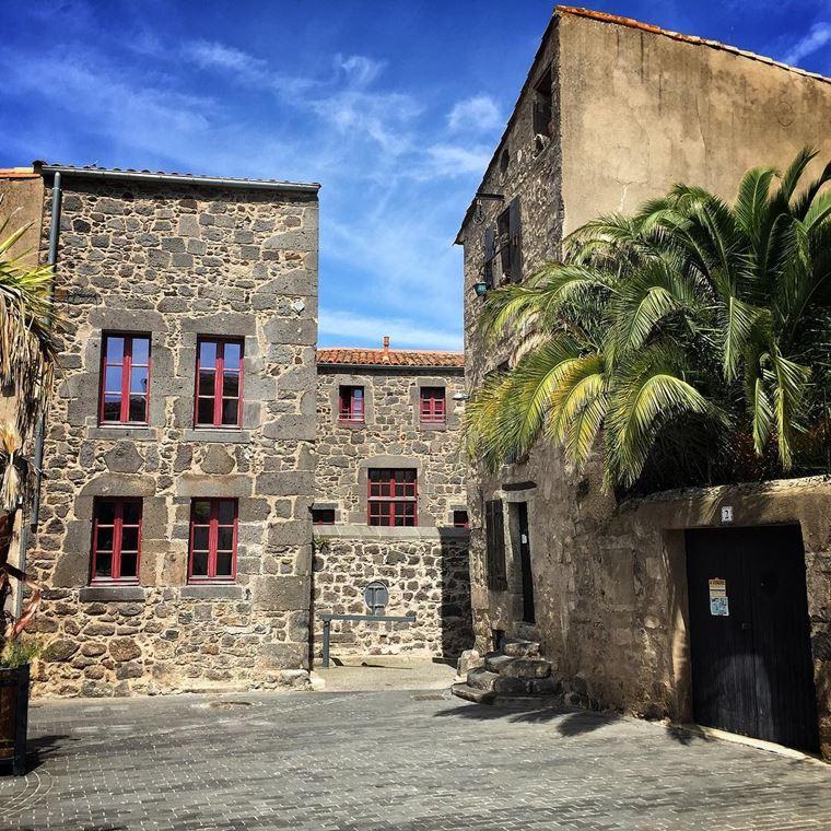Города южной Франции на побережье Средиземного моря: Агд