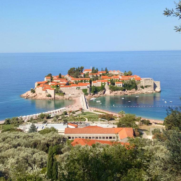 Курортные города Черногории на побережье: Свети-Стефан
