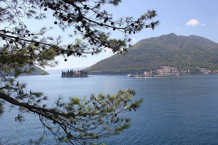 Курортные города Черногории на побережье: Тиват