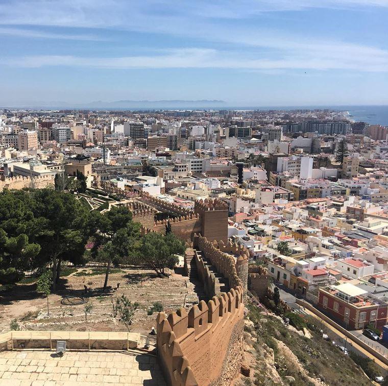 Курортные города Испании на побережье Средиземного моря: Альмерия