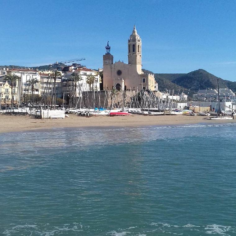 Курортные города Испании на побережье Средиземного моря: Ситжес
