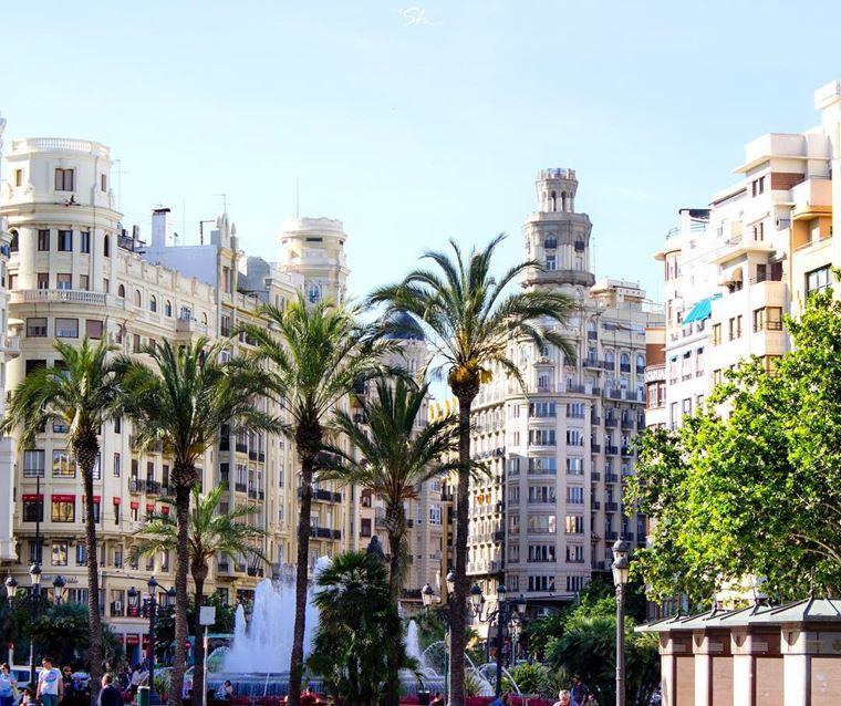 Курортные города Испании на побережье Средиземного моря:  Валенсия