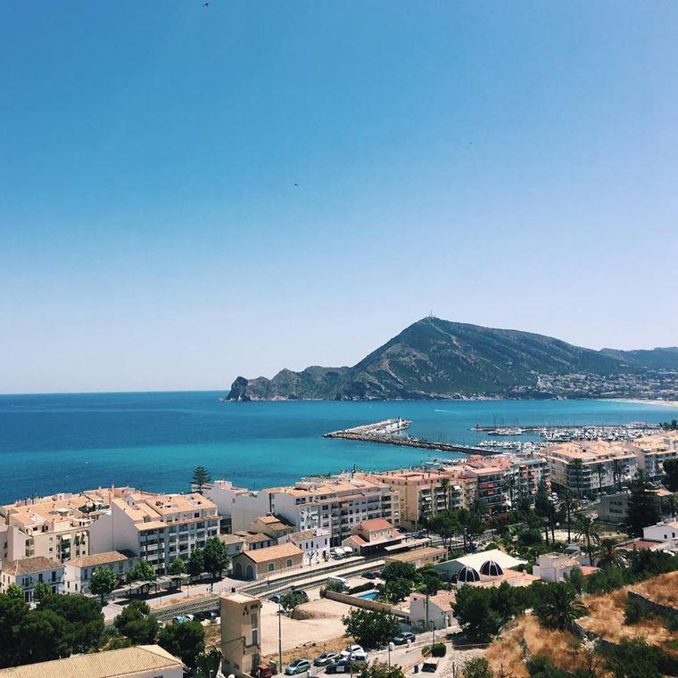 Курортные города Испании на побережье Средиземного моря:  Альтеа